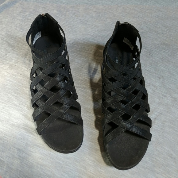 0a7503243936 Skechers Black Cali Strut Sass and Swag Sandal 8. M 5adb9d1536b9dea847f81e4d